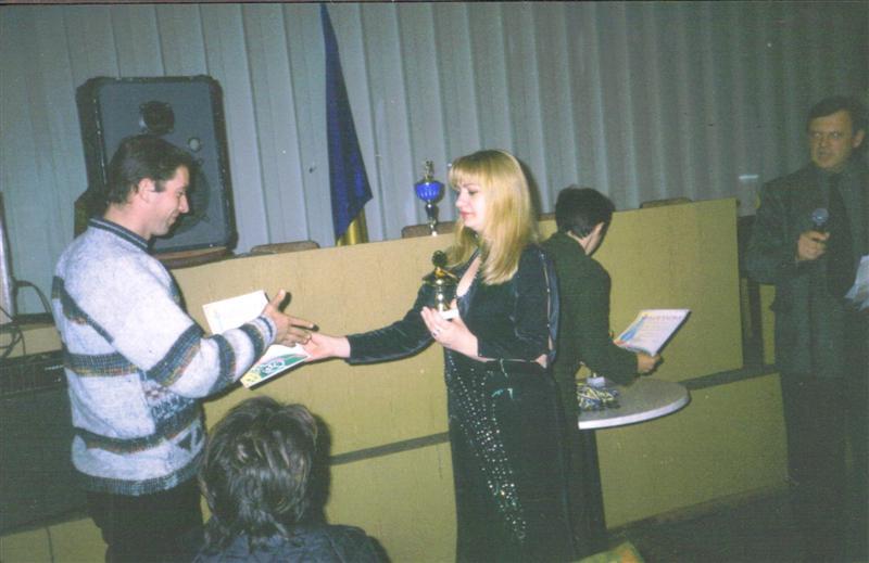Приз получает лучший нападающий чемпионата города Василькова 2003 Войтов Валерий.